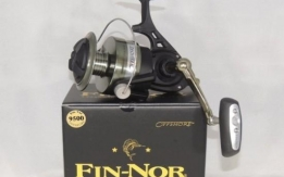 Fin Nor Offshore Spinning Fishing Reel with Fishing Line